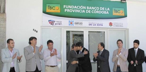 Fm 100 3 mhz sensaciones en el aire fundaci n banco de for Banco de cordoba prestamos
