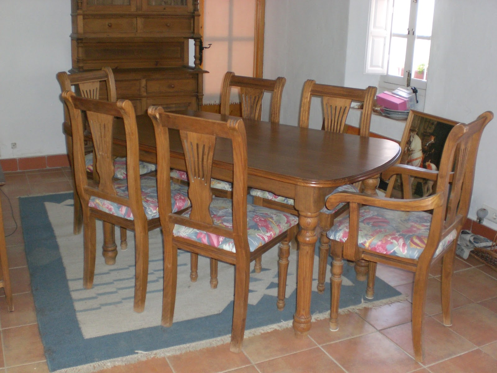 Digame for sale dining room furniture for Dining room table and chairs for sale