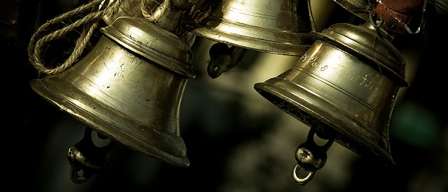 Science behind ringing temple bells