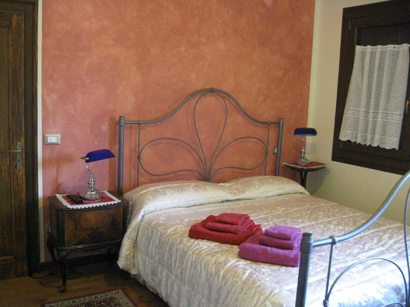 Camera Matrimoniale A Treviso.B B A Quinto Di Treviso Barone Rosso Le Camere