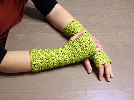Πράσινα πλεκτά γάντια χωρίς δάχτυλα (15 ευρώ) f2b2b6163c7