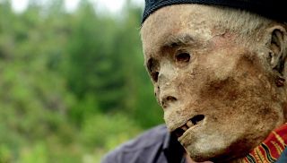 Pembersihan Ritual Ma'nene Tanah Toraja