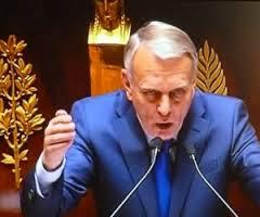 Fiscalité, intégration : les députés de l'opposition chargent Ayrault