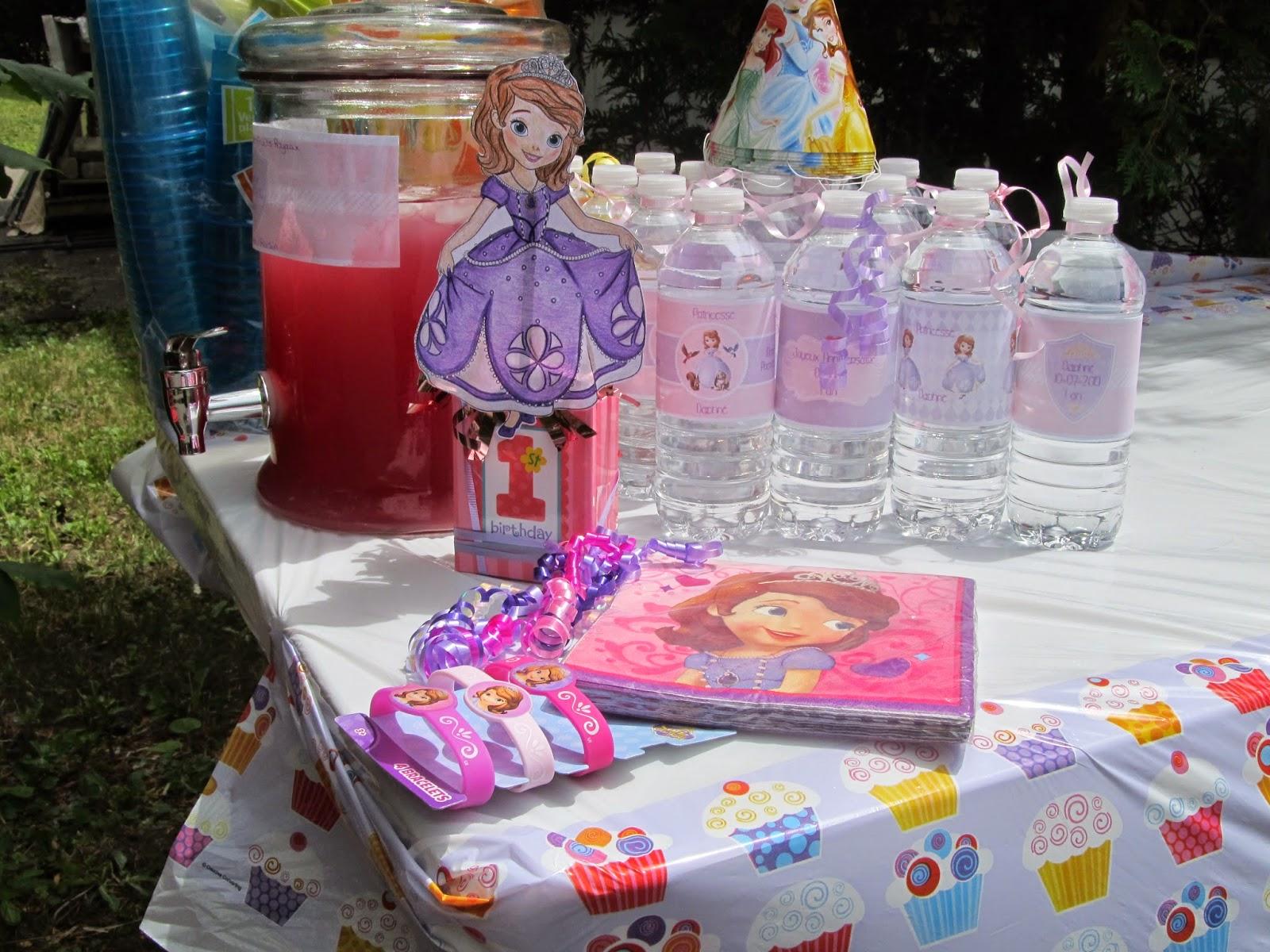 La f te des 1 an de mini radieuse princesse sofia diy recettes et smash the cake etre for Idee deco jardin pour fete