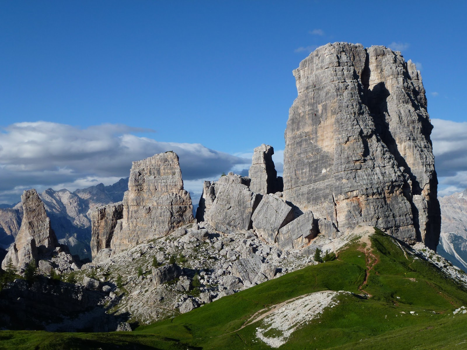 A spectacular summer in the dolomites the 39 other 39 joy of for Where are the dolomites located in italy