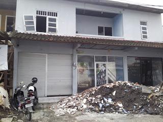 Harris Hotel Seminyak - Jl. Drupadi No. 99 Seminyak - Bali  facing run down building