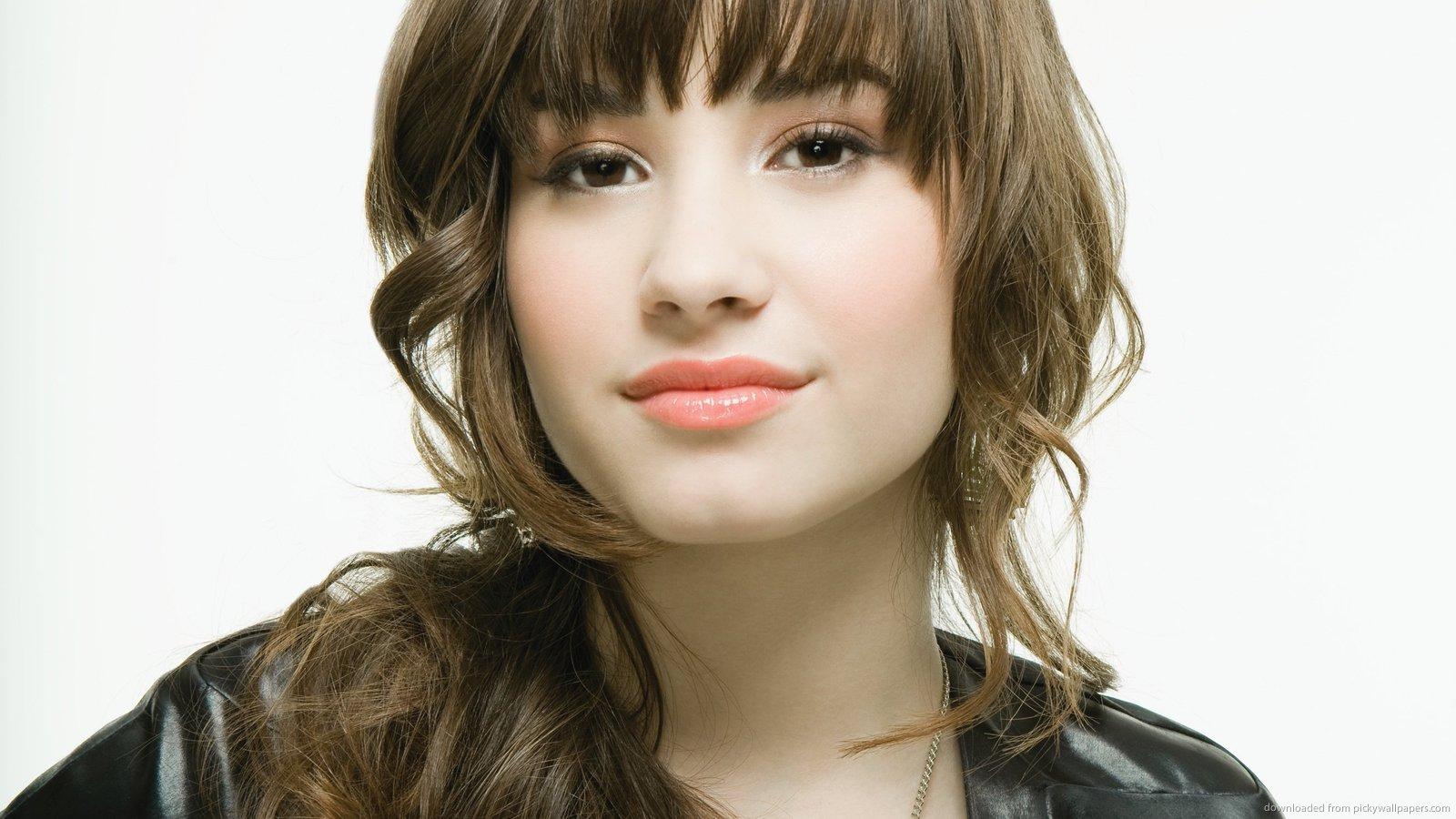http://3.bp.blogspot.com/-ChjDxPyW5Uo/TtOMU3LU5FI/AAAAAAAAA2U/JvBBNJMjuNk/s1600/Demi+Lovato+06.jpg