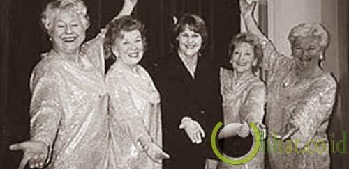 76 Tahun – Kombinasi Paduan Suara (Koor) Tertua