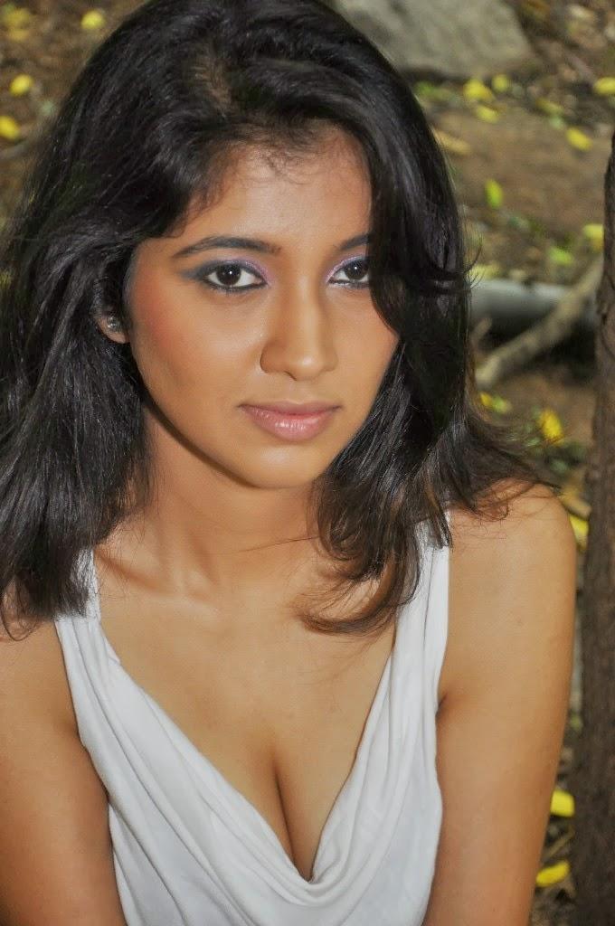 Bollywood Hangover - Bollywood's Latest Gossip - YouTube