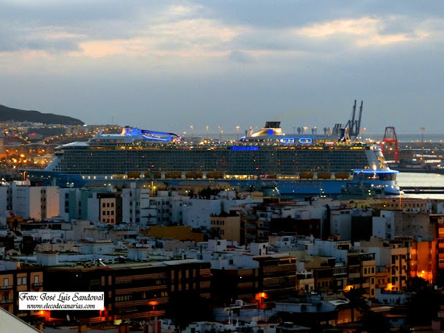 Atraca en el muelle Santa Catalina el crucero Anthem of the Seas