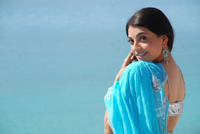 Kajal Agarwal Hot Blue Saree Photos