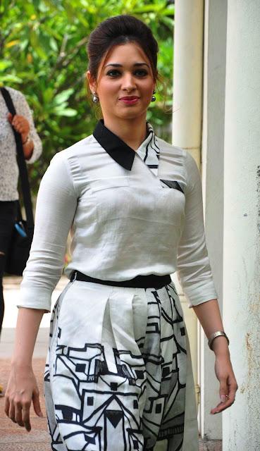 """Tamannaah Bhatia Looks Drop-dead Gorgeous At """"Baahubali"""" Press Meet In Hyderabad"""