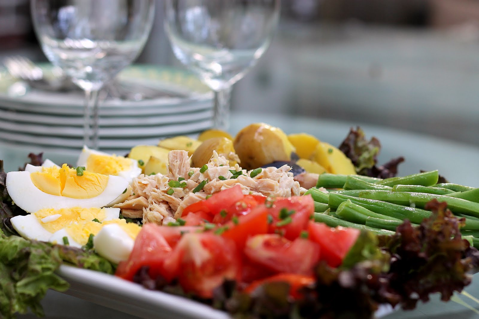 Salade Nicoise and Corn, Buttermilk and Chive Popovers