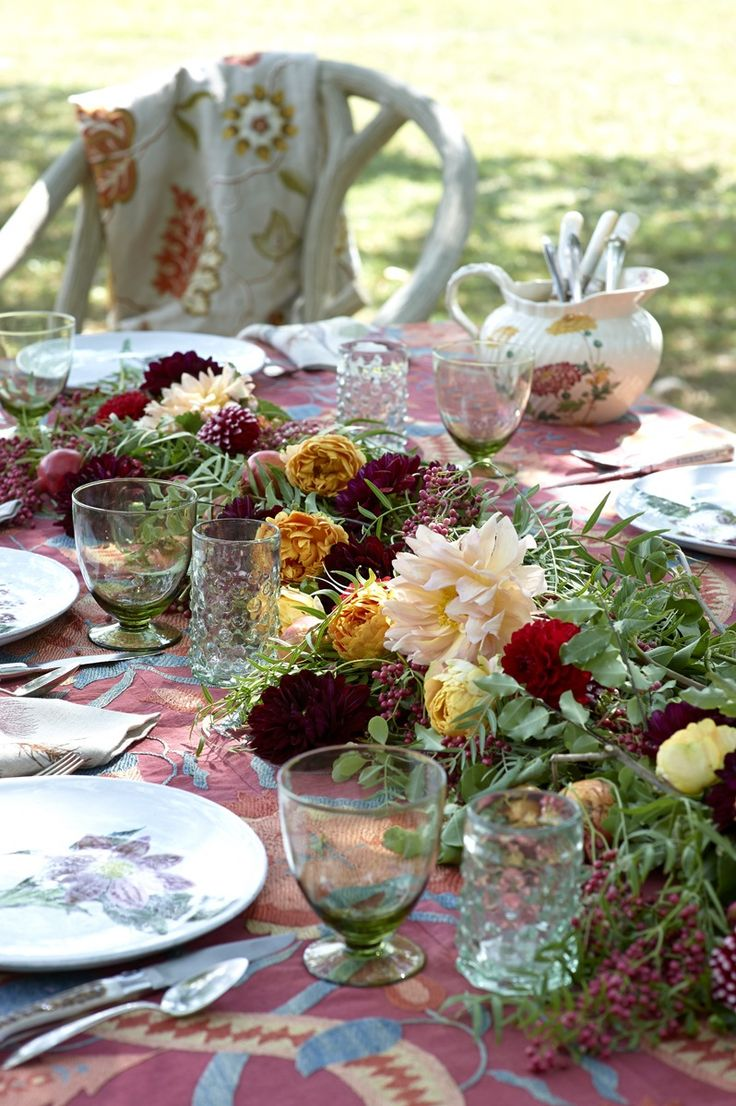 Lunch & Latte: styling: a harvest table setting - Happy Thanksgiving!