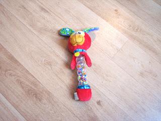 Playgro Twinkle Sticks Puppy Rammelaar: goedkoop baby speelgoed dat goed is voor de motorische en zintuigelijke ontwikkeling!