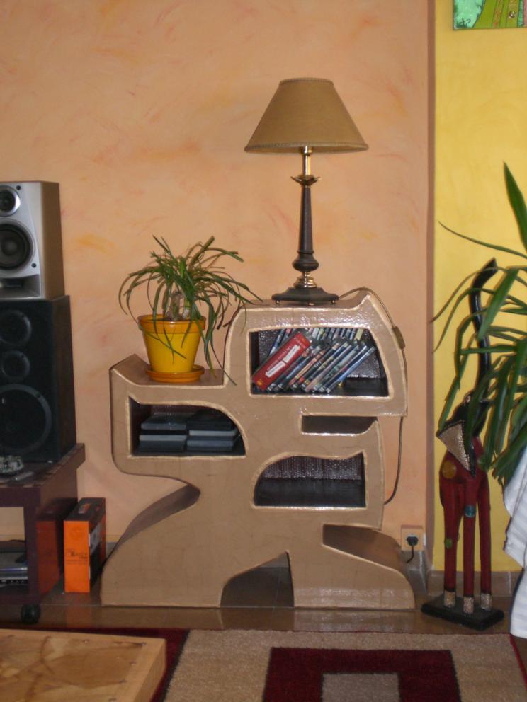 El mundo loco del carton mueble videoteca for El mundo del mueble