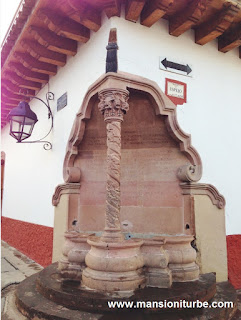 Pila de Espejo en Pátzcuaro, Michoacán