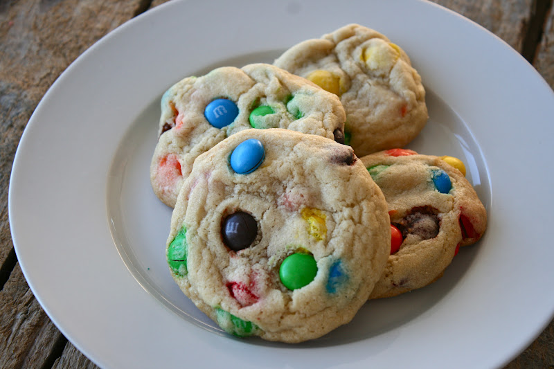 Best M&M Cookie Recipe Ever! / Hey, EEP!