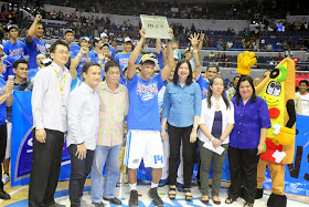 Mark Barroca, who led all scorers with 24 points, is named Finals MVP