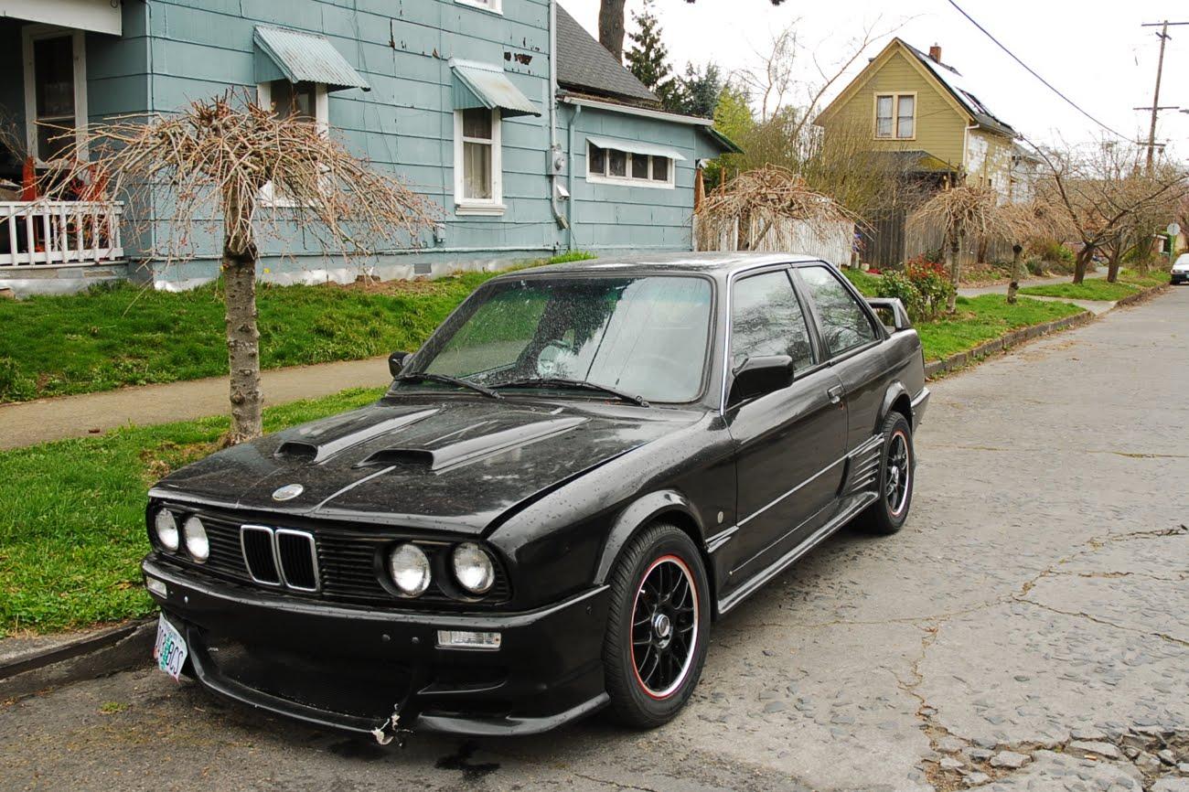 OLD PARKED CARS BMW I I Mean M - Bmw 318i 2 door