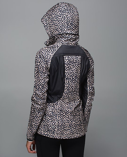 lululemon-back-pack-it-jacket-hood