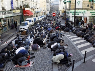 street prayer in France