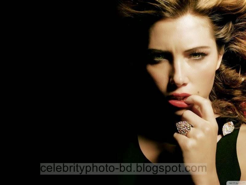 Jessica+Biel+Latest+Hot+Photos+With+Short+Biography002
