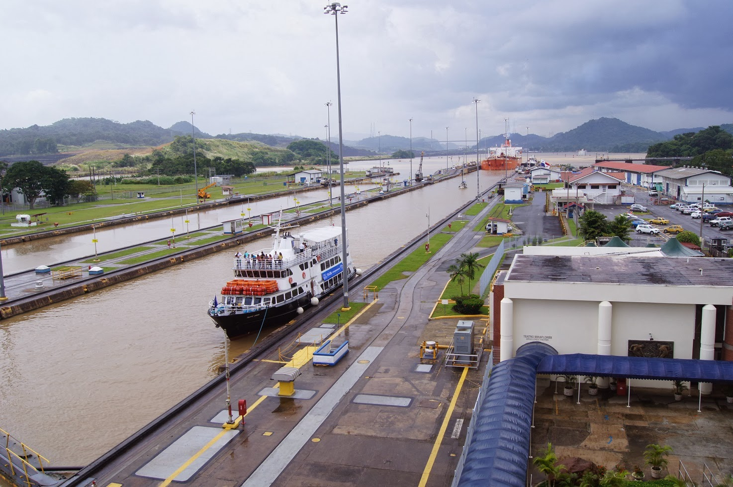 panama city tour visitor ships with Afternoon At Miraflores Locks on Seacoast Lighthouse I Paul Brent as well Miraflores Visitor Centre Bus Tour  bo Ticket likewise Panama additionally Page 2 besides Panama Excursions.