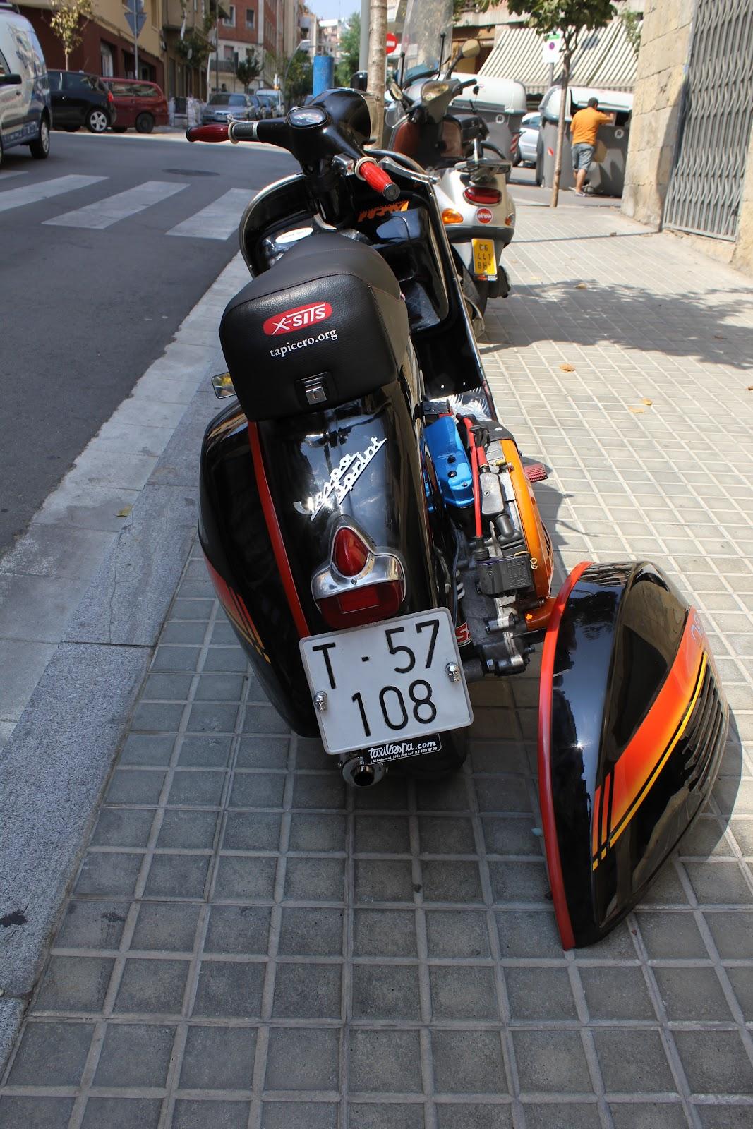 Asiento de vespa sprint t5 personalizado tapizar asiento for Tapizar asientos coche barcelona