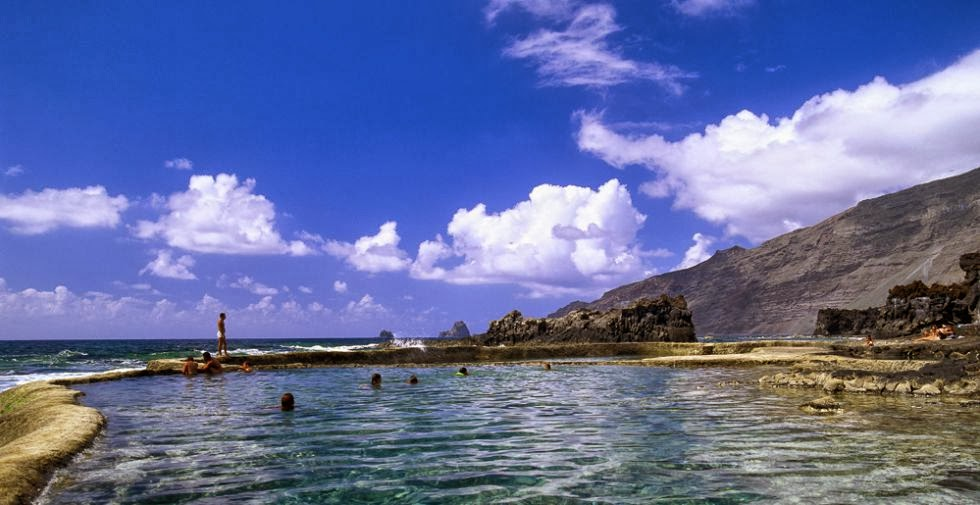 Piscinas en el oc ano isla de tenerife v vela for Piscina la ballena tenerife