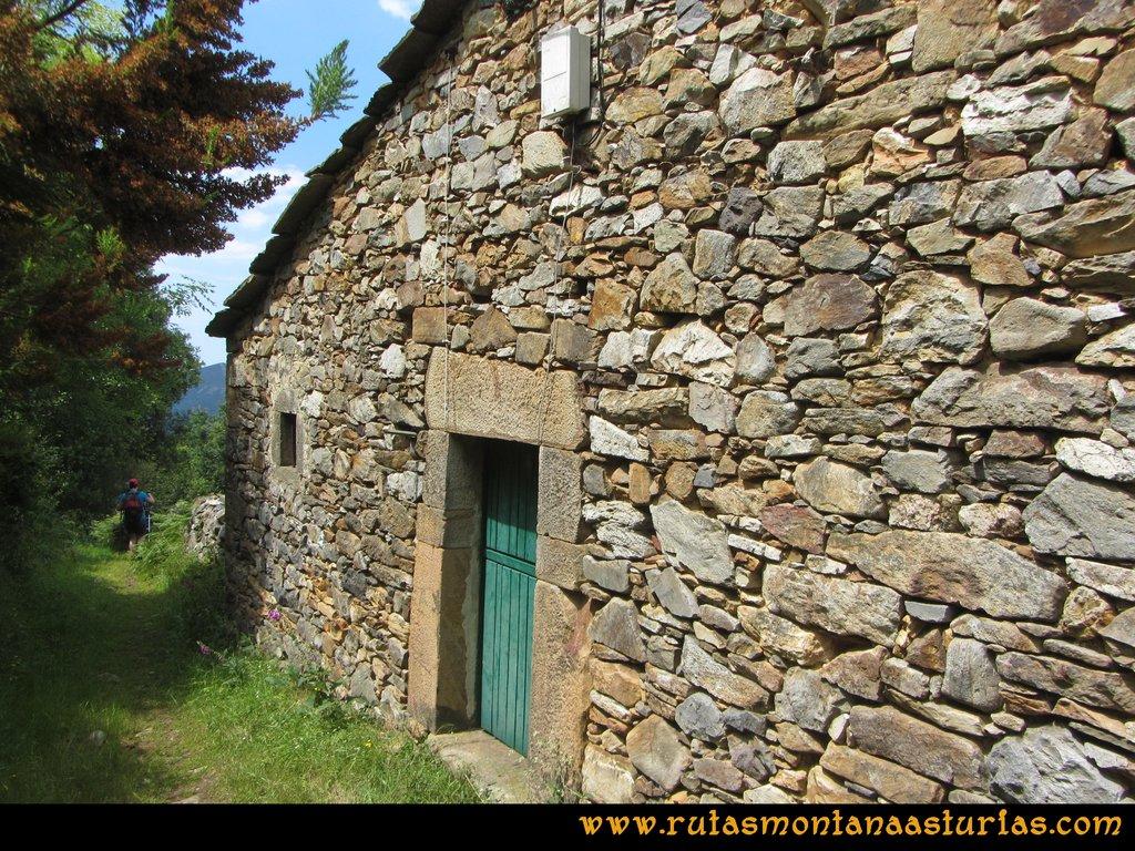 Ruta Hoces del Esva: Bajando desde Adrao a San Pedro de Paredes