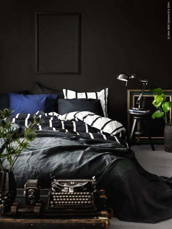 Vosgesparis inspiration for your home a cozy dark for Black and white bedroom ideas for men