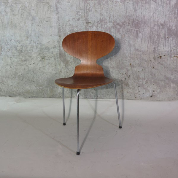 Wunderkammer el objeto de la semana la silla hormiga de arne jacobsen das objekt der - Arne jacobsen ameise stuhl ...
