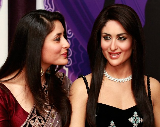 Kareena Kapoor Wax statue1 - Hot Kareena unveils her wax statue