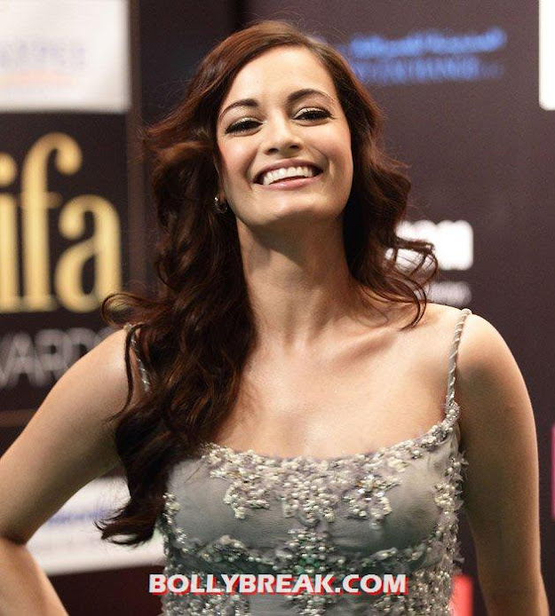 dia mirza long hair - (8) -  Which Actress has Sexiest Hair in Bollywood?
