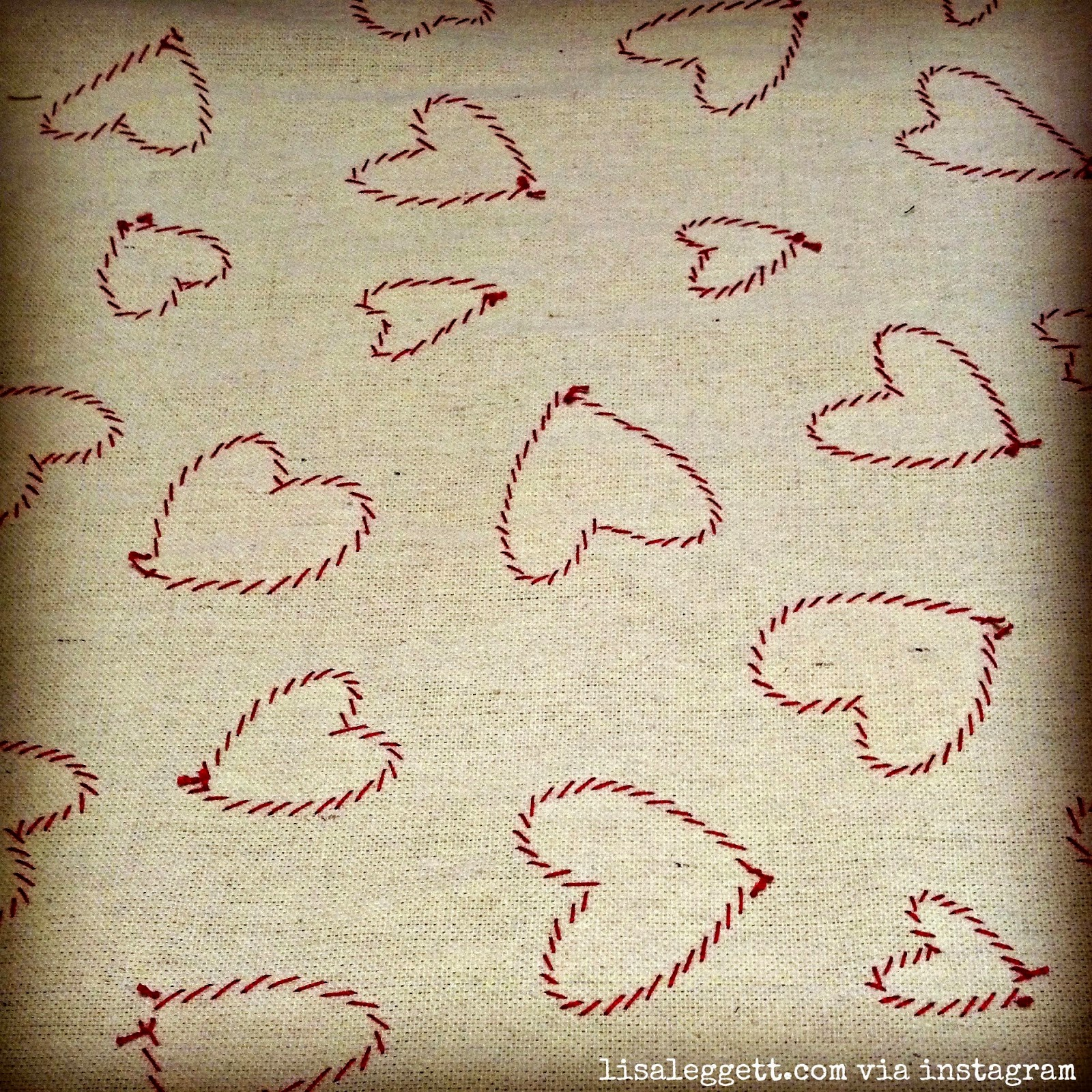 Accidentally pretty reverse side of heart appliqued table runner