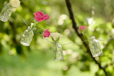 Rosas en frascos de cristal (Ideas Decorativas) Flores