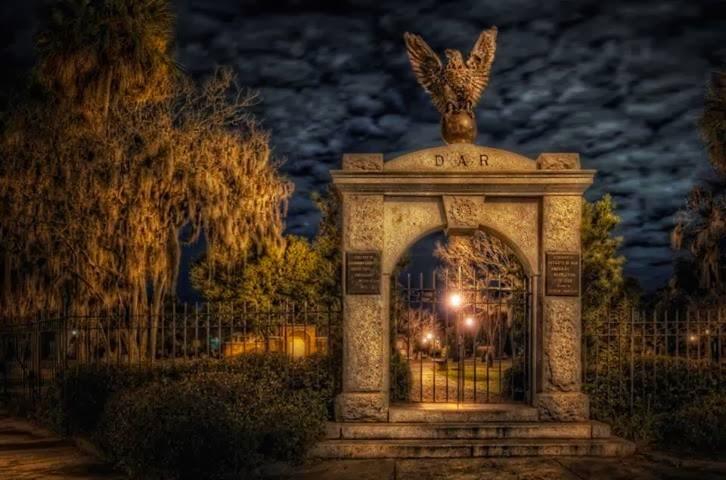 Colonial Park Cemetery, Savannah Georgia