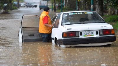 inundaciones repentinas y deslizamientos de lodo produce la tormenta tropical Barry, 20 de junio 2013