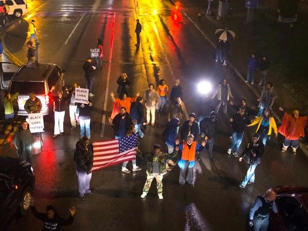 estados unidos, ferguson, jovem negro, policial branco,