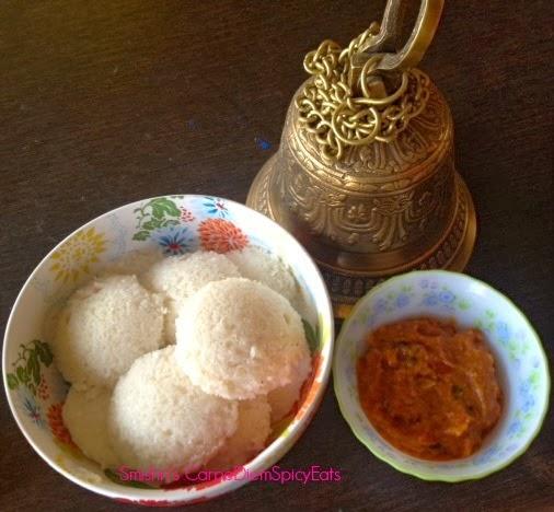 Tomato Gravy with Idli,tomato kurma,chutney