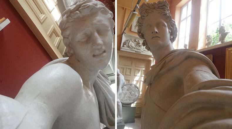 Las estatuas también se toman su selfie