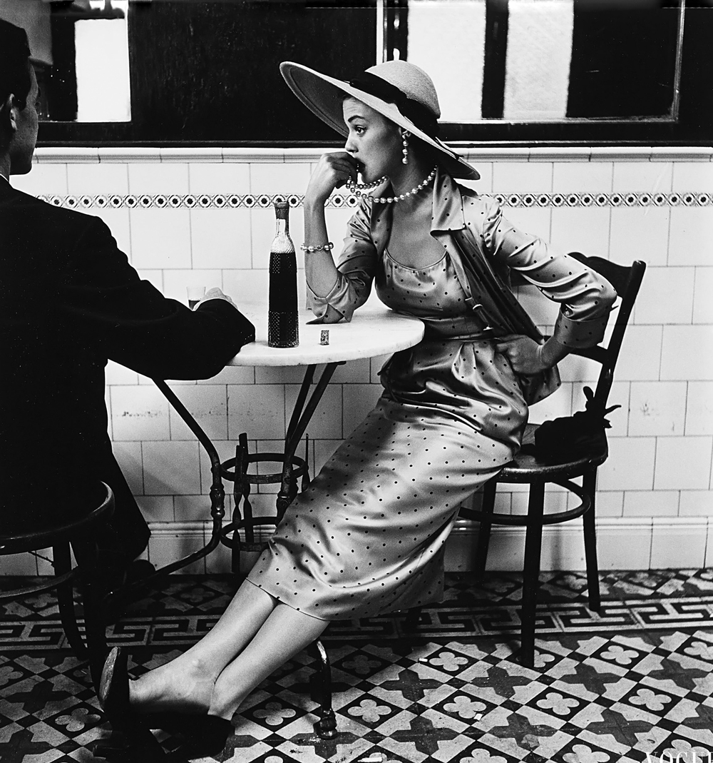 Jean Patchett photographed by Irving Penn in Paru 1948 via fashioned by love british fashion blog