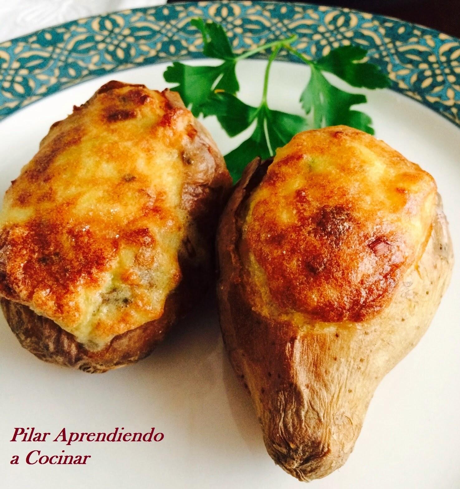 Aprendiendo a cocinar patatas rellenas de roquefort y bacon for Cocinar repollo con patatas