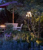 Outdoor Lampen geben dem Sitzplatz Wohnzimmer-Atmosphäre