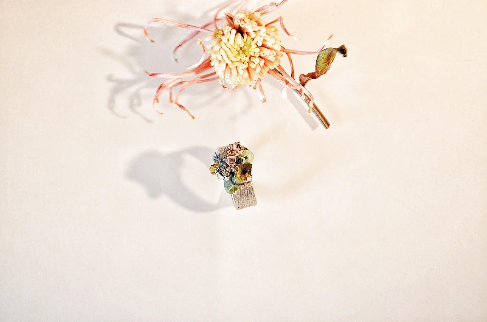 Fleur d'automne. Bague Création. Miss Tiguidou. - Copyright Agathe LaTuque 2014.