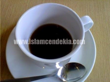 3 Fakta Ilmiah Tentang Larangan Meniup Minuman/Makanan dalam Islam