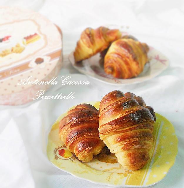 Croissants con confettura biologica