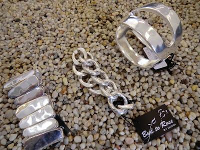 Som dessutom har börjat sälja så bra utomlands att dom valt att byta namn  till BUD TO ROSE BY DIDDI. Smyckena ligger i prisklass från 99 - till  499 -  ... a19d13403a30d