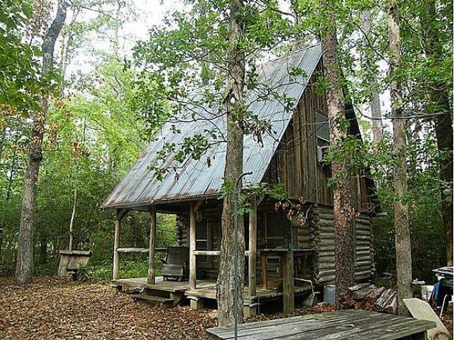 Lloyd s blog tiny rustic log cabin for sale in texas for Log cabin plans texas